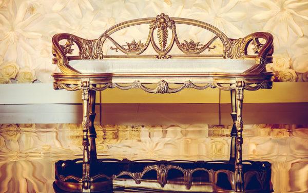 03-Luxury-Wedding-sofa-at-armani-hotel-burj-khalifa-Dubai