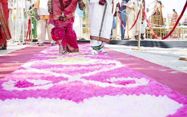 SHADI INDIAN WEDDING CATWALK