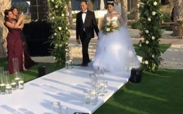 Ola Farahat wedding bride enterance nikki beach dubai