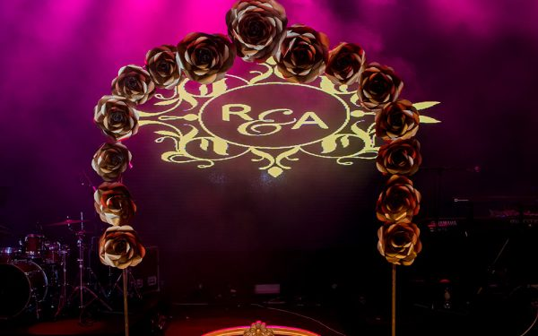 Sofa luxury MUSIC HALL CEREMONY INDIAN WEDDING ZABEEL SARAY