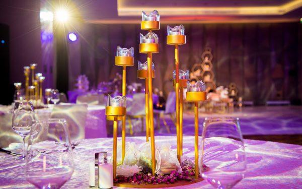 WEDDING CENTERPIECE 7 WHITES mahar engagment event five hotel palm island dubai