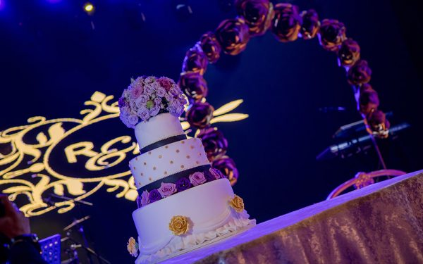 cake wedding dubai